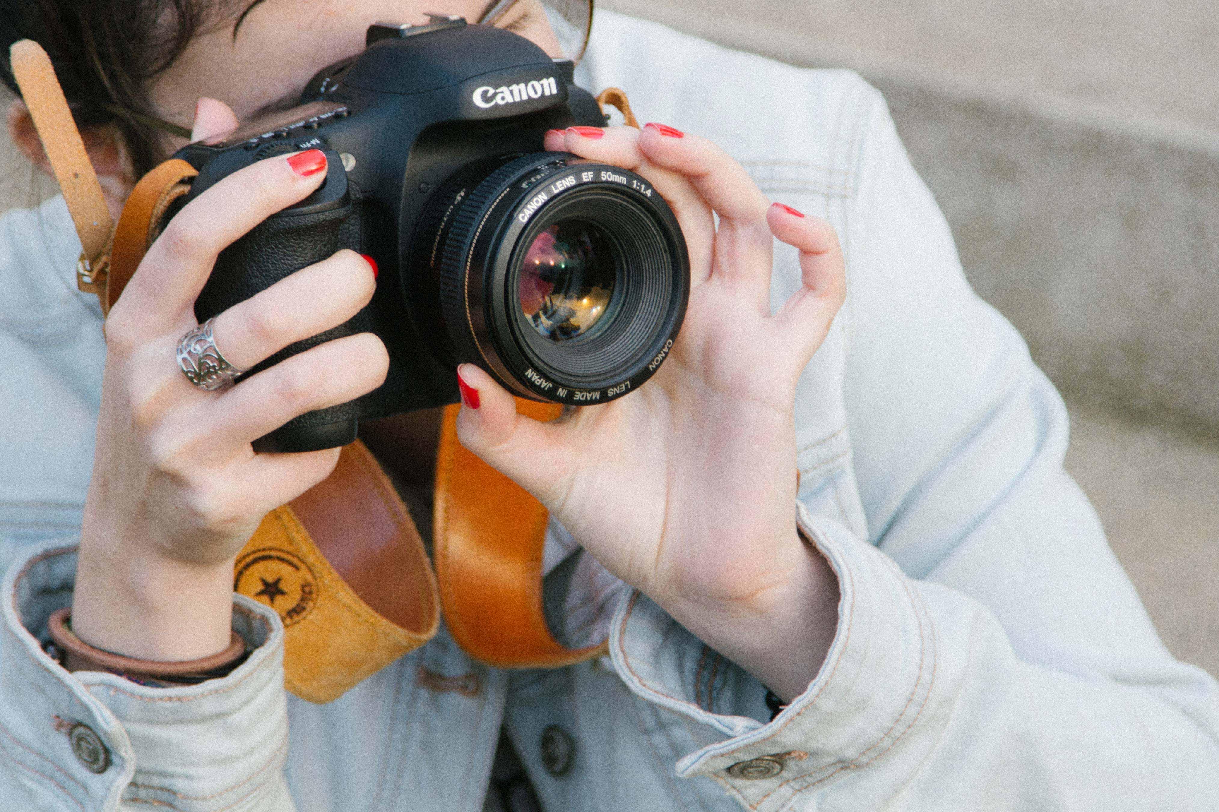 Correa de cuero para cámaras fotográficas